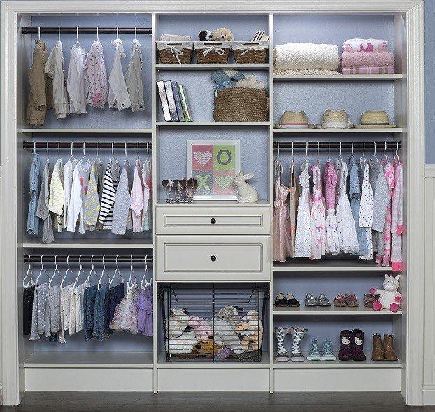 Armarios y vestidores de madera doormader carpinter a - Como organizar un armario empotrado pequeno ...